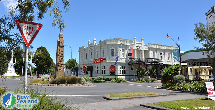 Large carving and Masonic Hotel in Opotiki, New Zealand